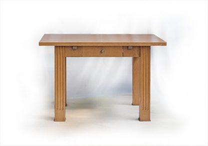 Rozkládací stůl z programu Balsamico s bočními nástavci.