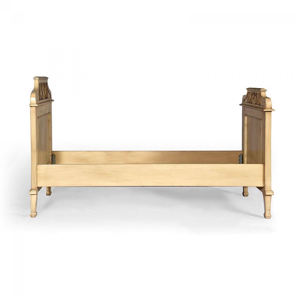malovaná dubová postel Svět pokladů
