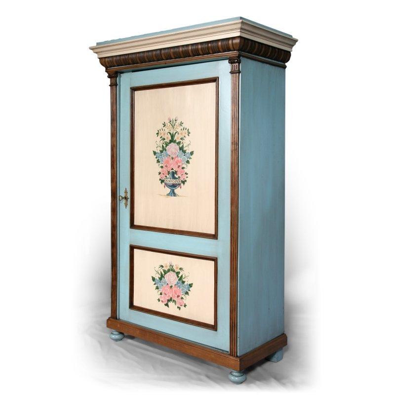 Originální malovaná jednodveřová šatní skříň po celkové opravě