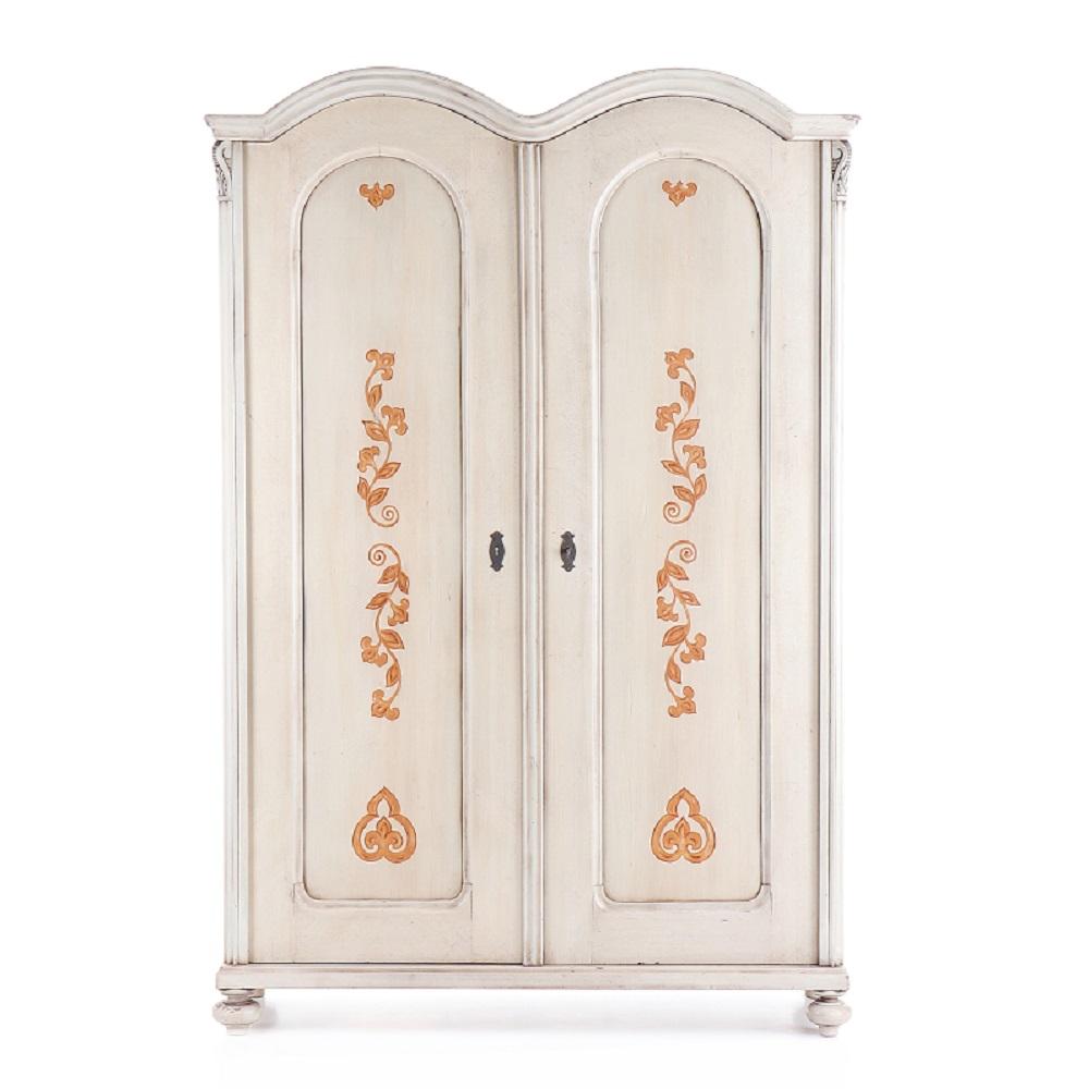 Malovaný a barvený nábytek Bílá malovaná skříň dvoudveřová