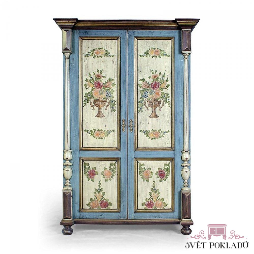 modrá malovaná šatní skříň Svět pokladů