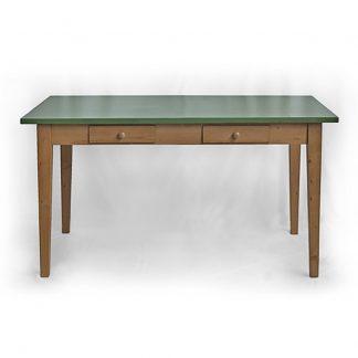 kuchyňský stůl se zelenou deskou
