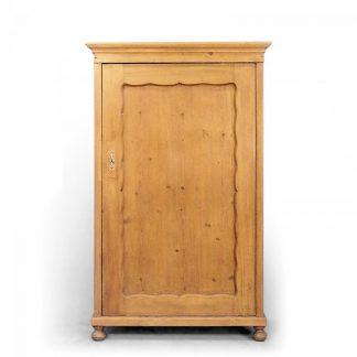 Šatní skříně Jednodveřová šatní skříň.