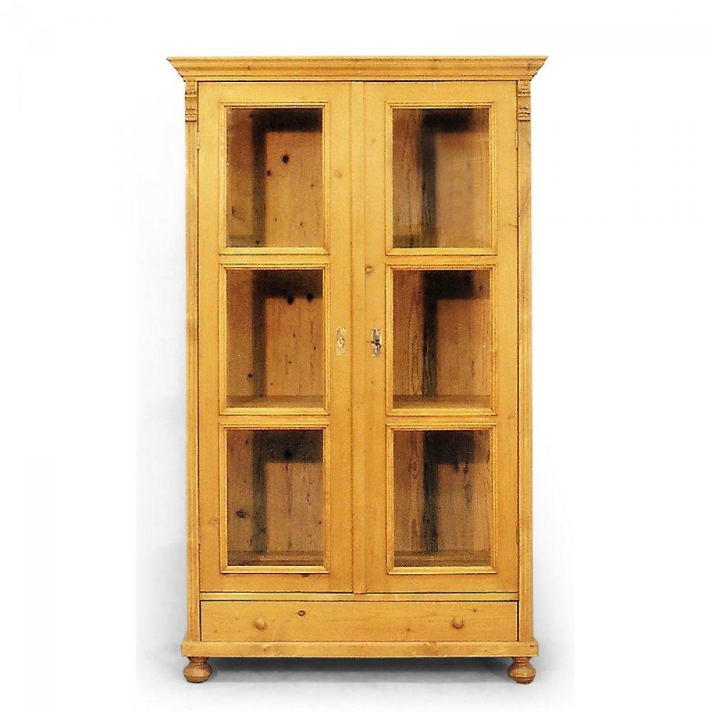Tradiční selský nábytek Dvoudveřová knihovna se zásuvkou.