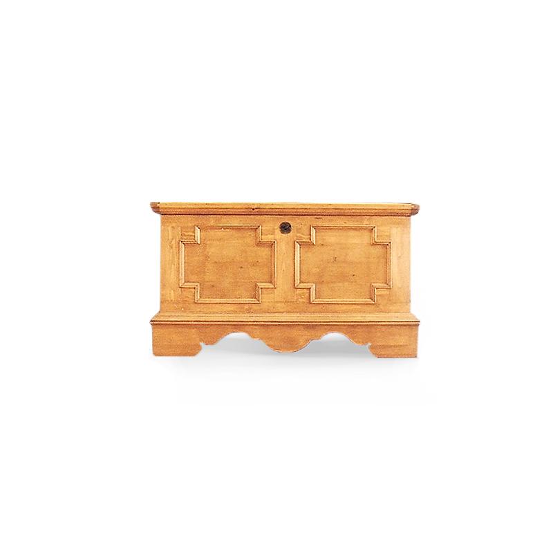 Tradiční selský nábytek Truhla Berta z masivního smrkového dřeva.