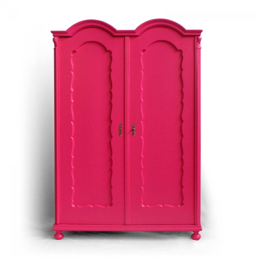 Červená skříň
