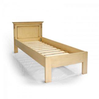 Malované postele a nábytek do ložnic Patinovaná postel z masivního smrkového dřeva.
