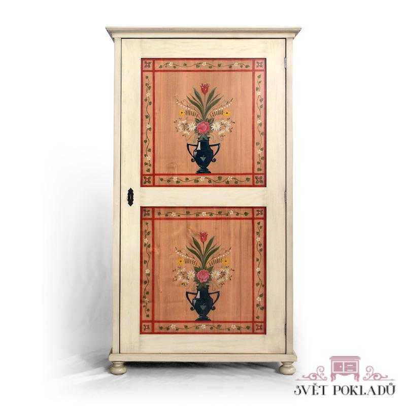 Malovaná skříň s vnitřními šuplíky Svět pokladů
