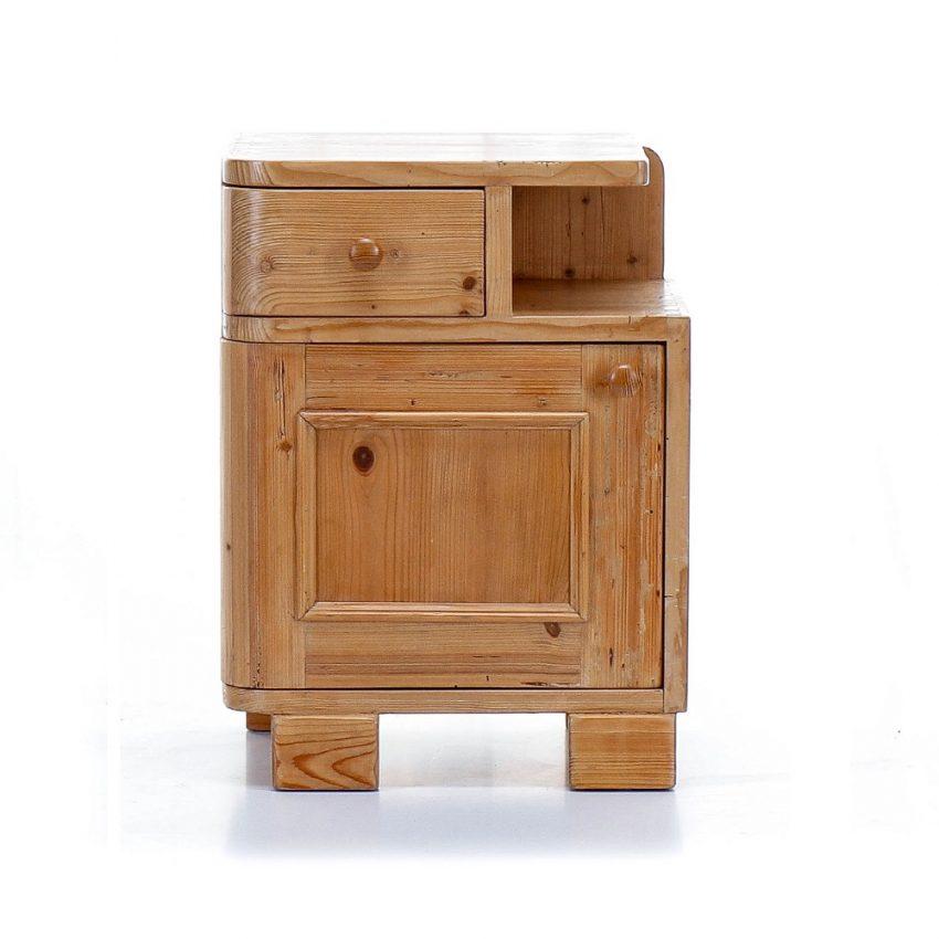 Originální noční stolek z masivu Svět pokladů