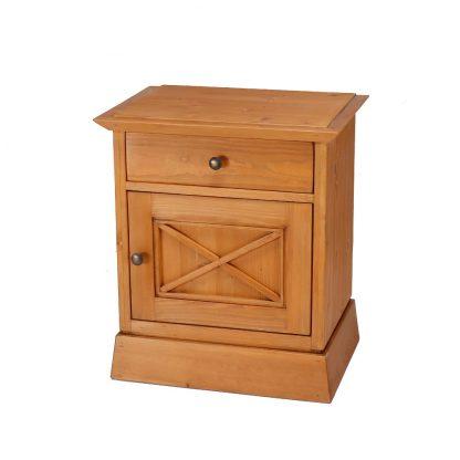 Noční stolek z masivního smrkového dřeva ve středomořském stylu.