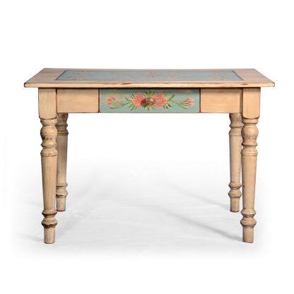 Selský malovaný jídelní stůl.
