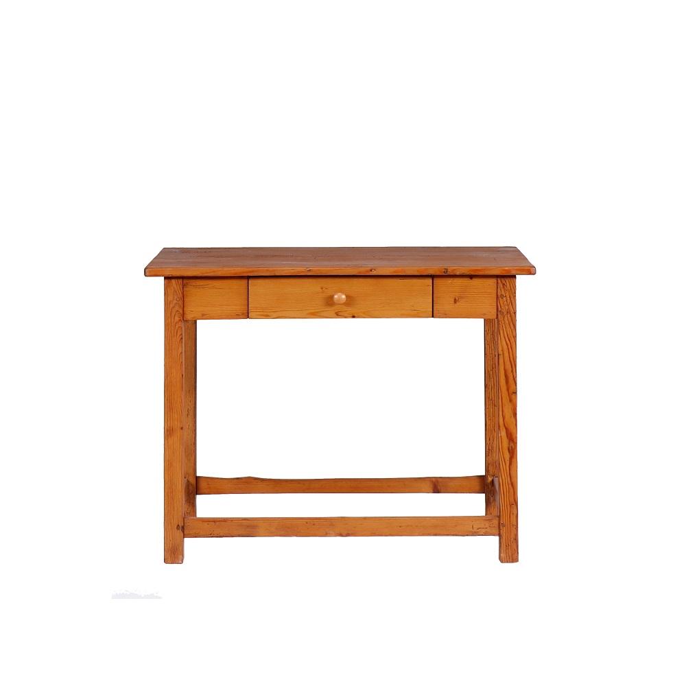 Stoly a stolky Repasovaný starožitný stůl z masivního smrkového dřeva.