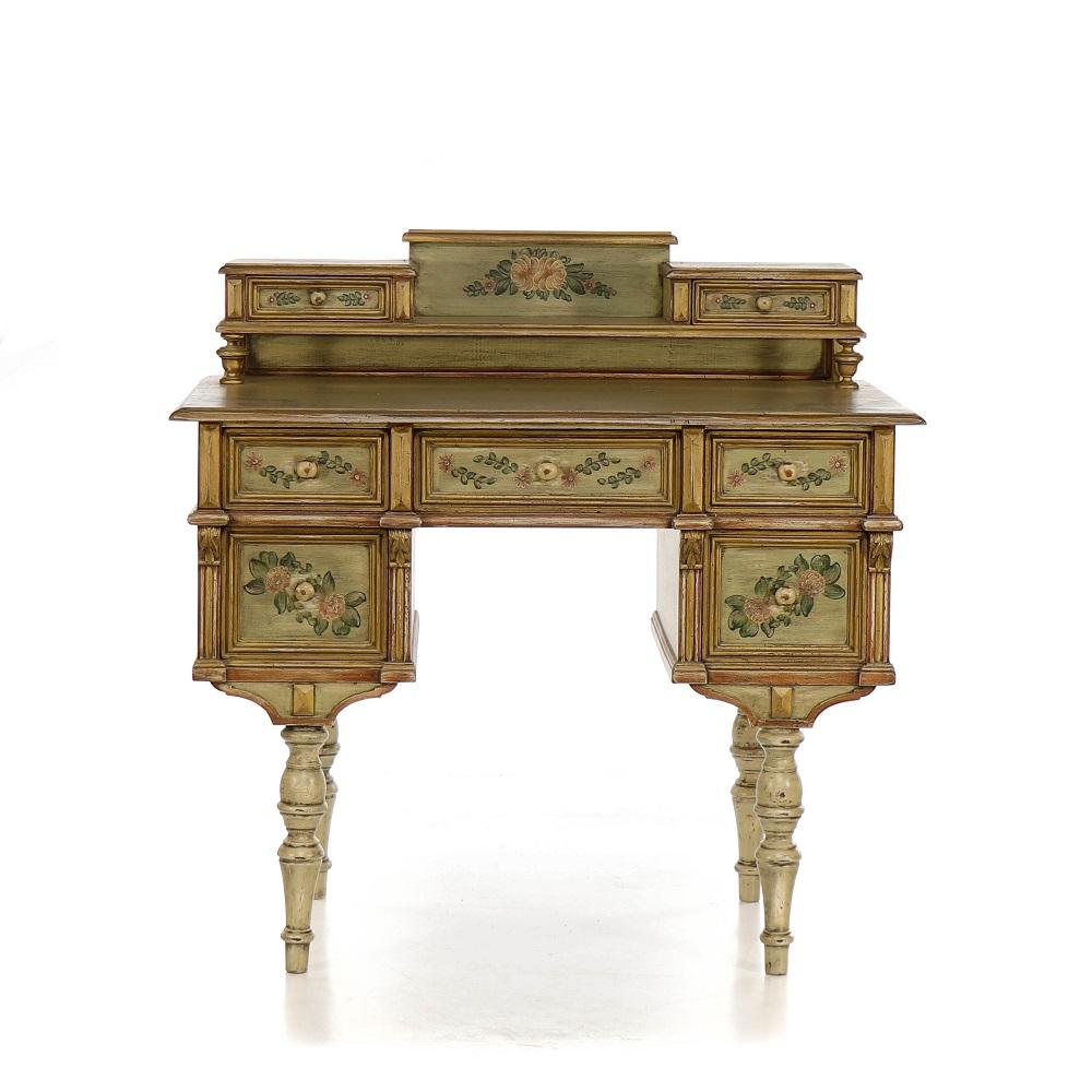 selský psací stůl z masivu Svět pokladů