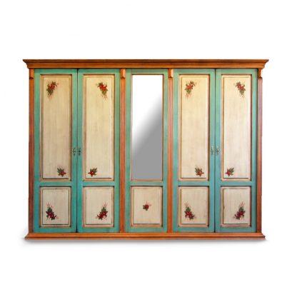 Velká rozkládací malovaná skříň se zrcadlem.