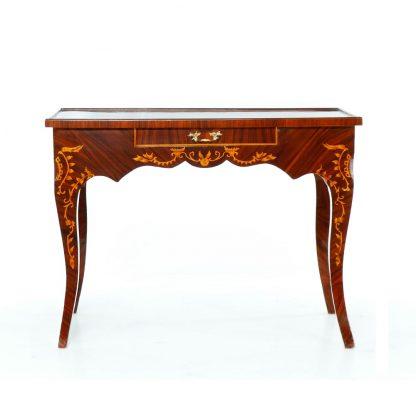 Replika barokního šachového stolu.