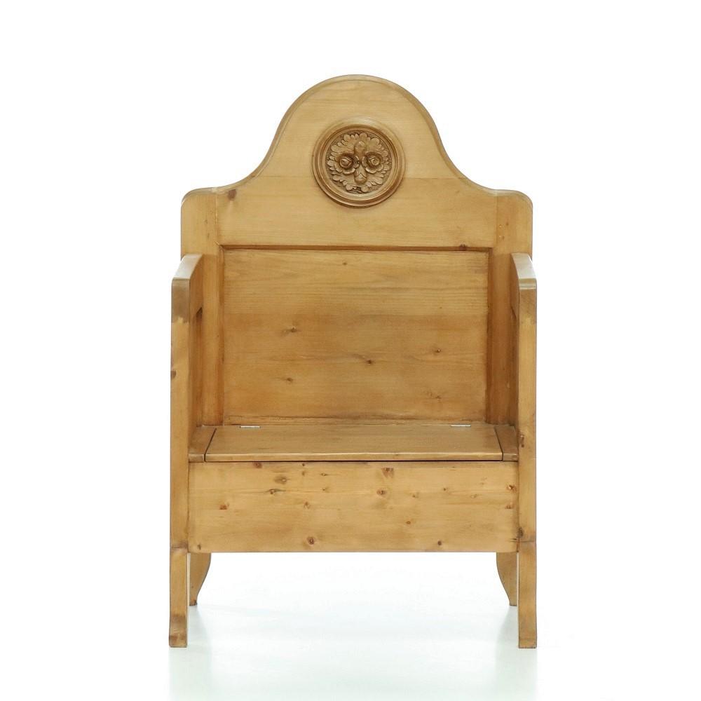 lavice s truhlou z masivu Svět pokladů