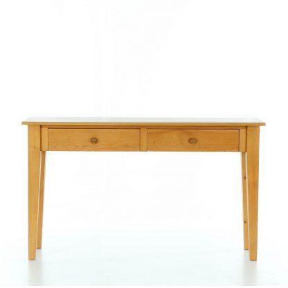 Stůl za pohovku z masivního smrkového dřeva.