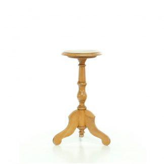 Stoly a stolky Malý kulatý stoleček.
