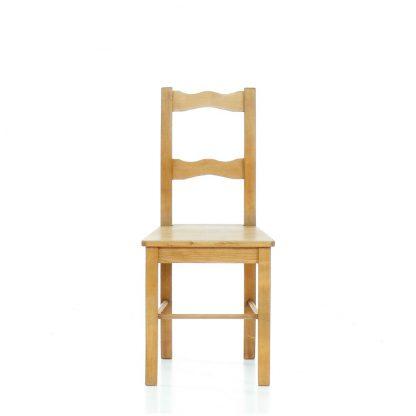 Selská židle ze smrkového dřeva.