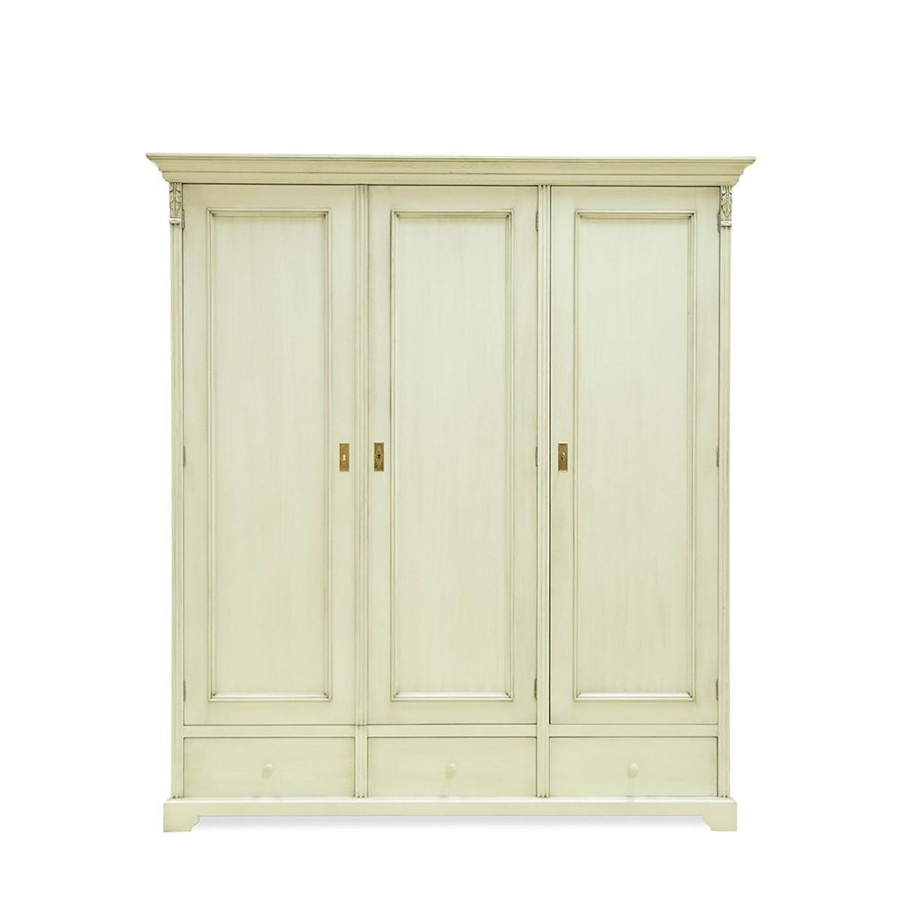 Bílá třídveřová šatní skříň z masivu Svět pokladů